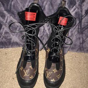 Louis Vuitton World tour boots